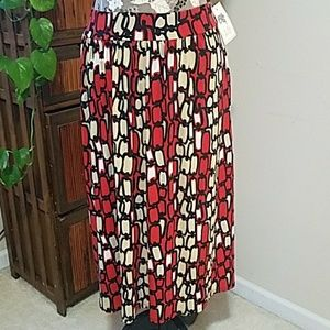 NWT Boutique LILY skirt Sz. L